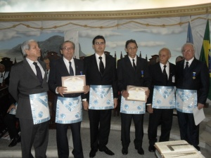 Grande Benemérito da Ordem - esq. p/ dir: Irmãos Marconi, Ivan, Luis Gustavo, Bragmar, Guilherme e Euclides.